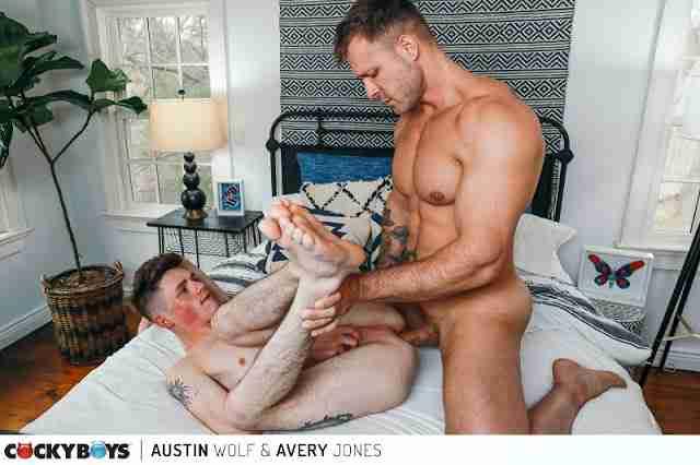 Austin Wolf & Avery Jones [Bareback]