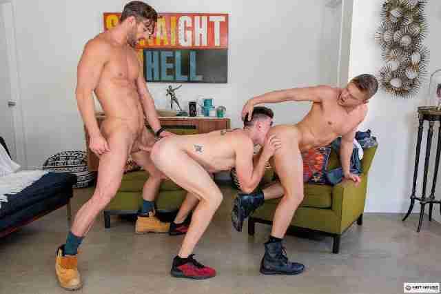 Hot House Flippers: Ryan Rose, Austin Avery, Wess Russel [Bareback]
